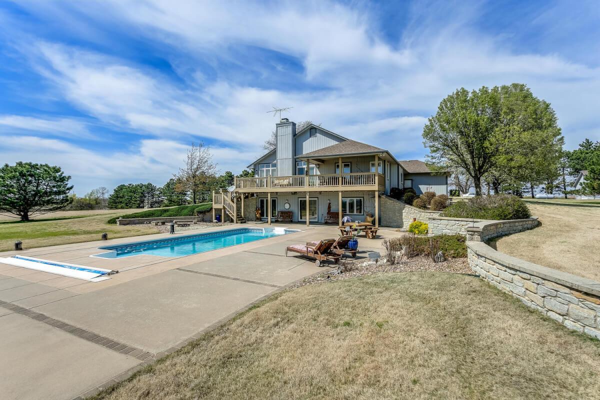 4 Bed 3 Bath Home on 33+- Acres Bordering El Dorado Lake! – 3998 NE Cole Creek Rd