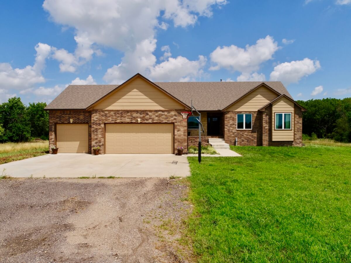 Custom Built 5 Bed 3.5 Bath Home on 40+- Acres Near Leon