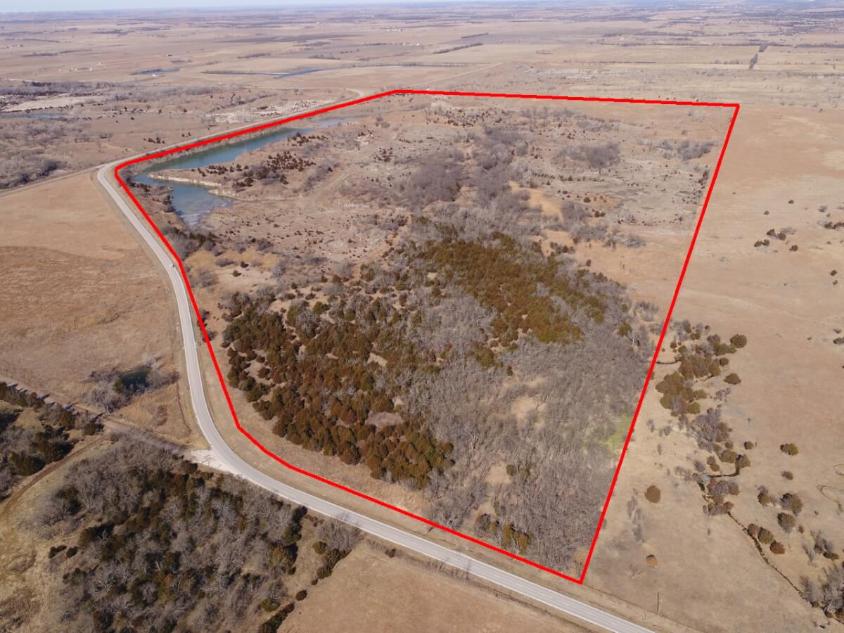 197 Acres Elk County Kansas Land For Sale W/ Rock Quarry Lake & Hunting