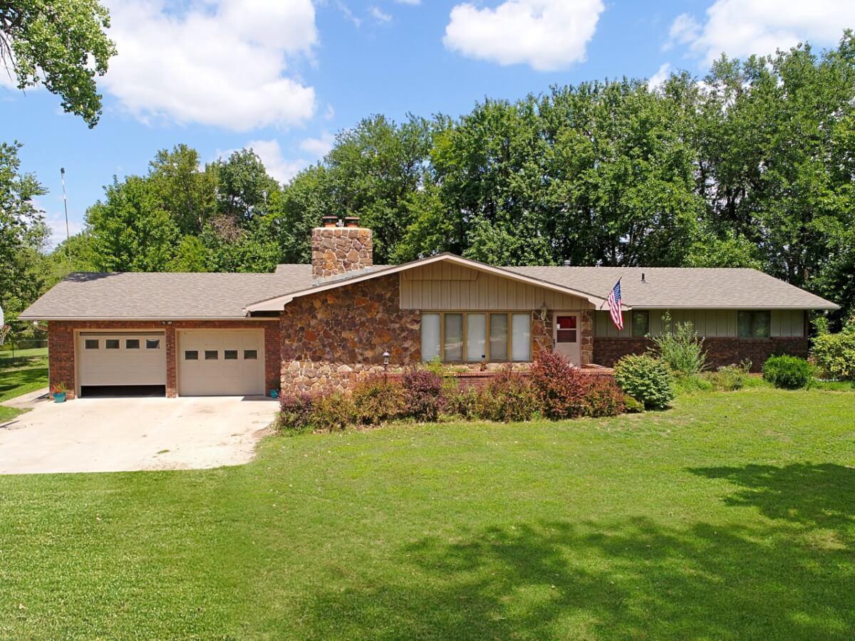3 Bedroom 3 Bathroom Ranch Home on 3.55 Acres Near Newton