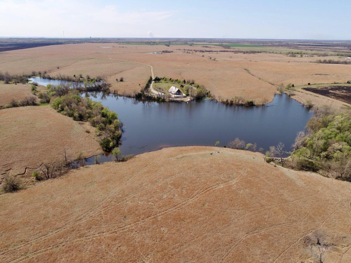 Scenic Flint Hills Cabin & Lake For Sale, Butler County Kansas