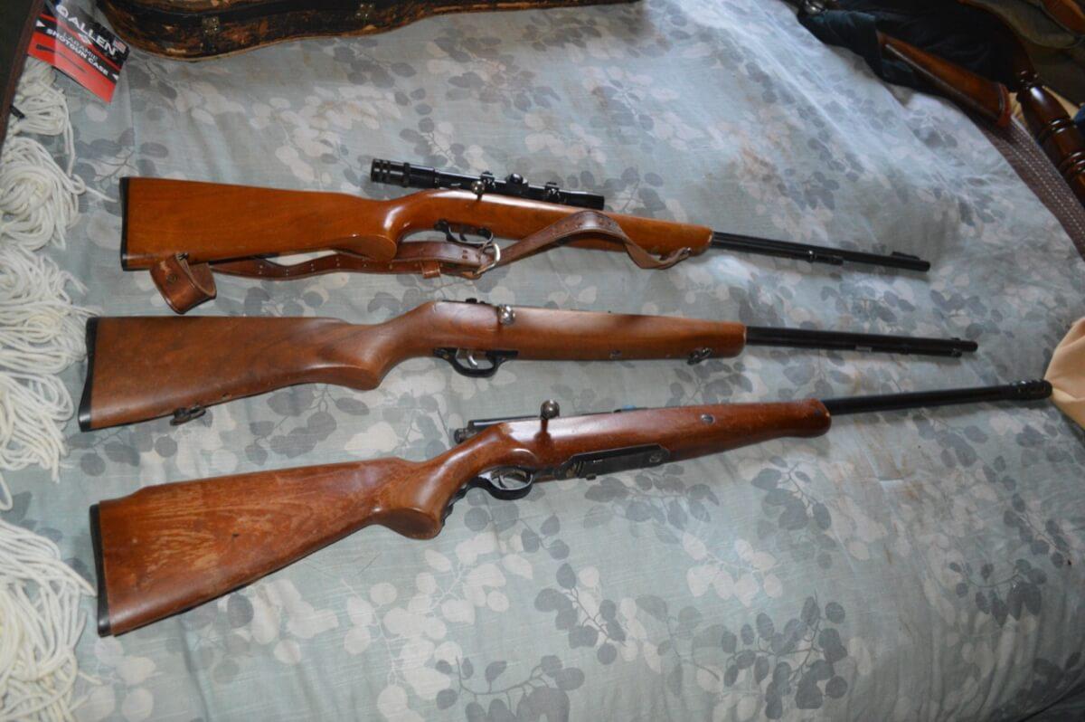 Guns, Pottery, Antiques, Lincoln Town Car, GMC Sierra,  Misc Auction Near El Dorado