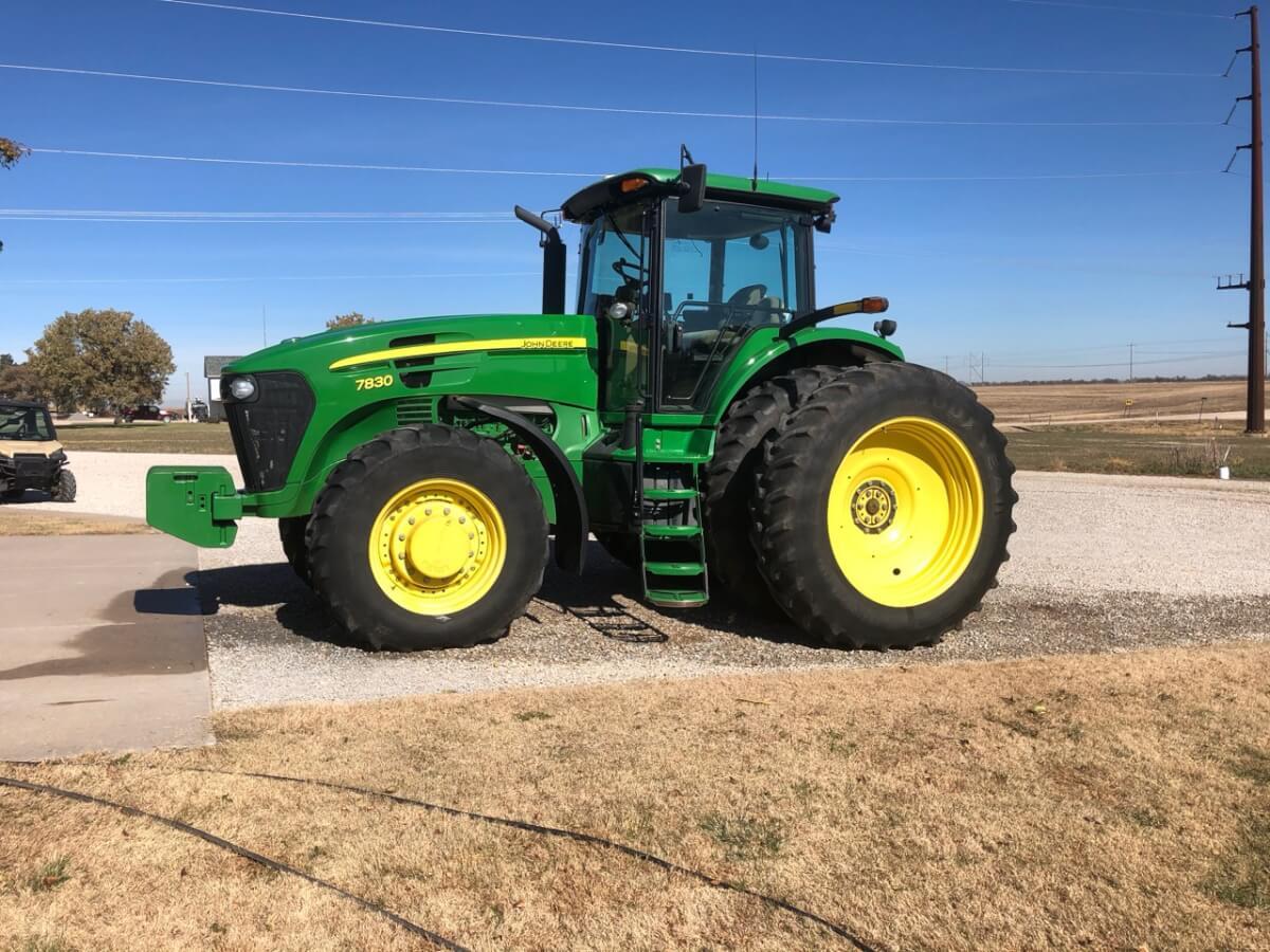 Farm Machinery & Equipment Auction Near Benton KS